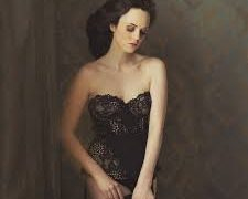 Sue Bryce Education – Sheer Skirt With Sue Bryce, FreeTuts Download